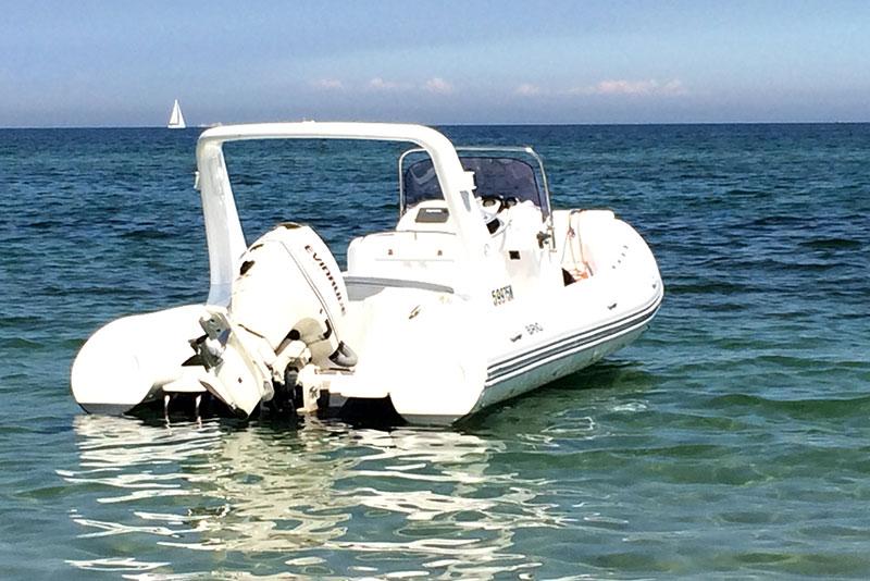 Sailing Deluxe Yachten Brig Festrumpf Schlauchboot Ostsee Segeltörn Chartern Incentives Törns Rostock