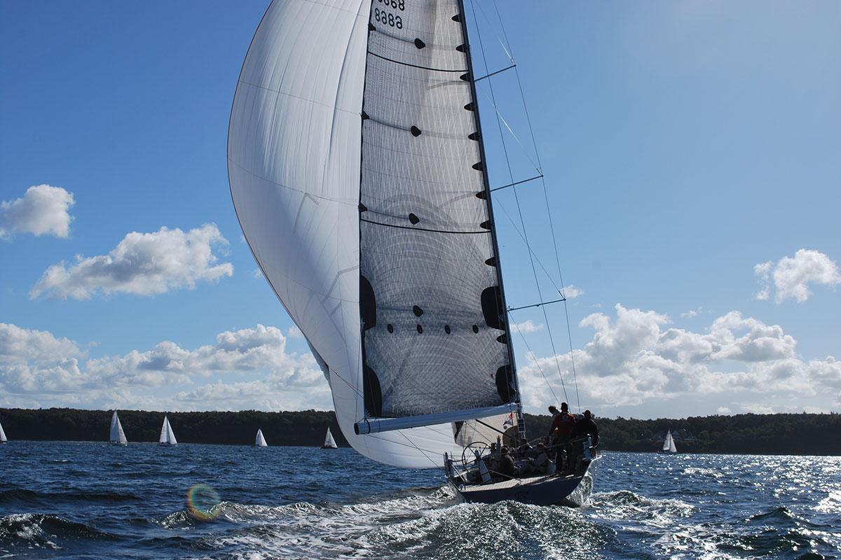 Sailing Deluxe Segeltörns Speedsailing auf Ostsee Rostock Warnemünde
